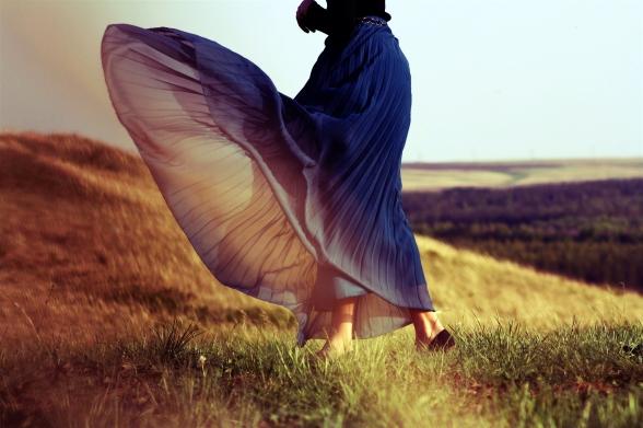 girl-mood-dress-wind-summer-field-grass-life-wallpaper-photos