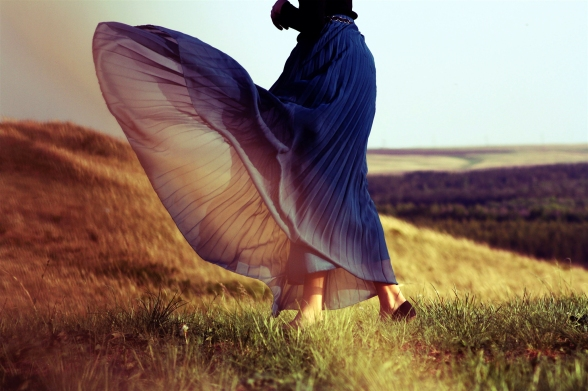 girl-mood-dress-wind-summer-field-grass-life-wallpaper-photos
