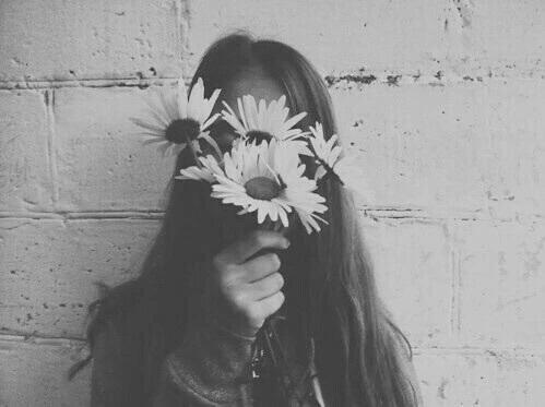 black-and-white-flowers-girl-grunge-favim-com-4068093